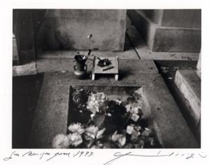 Jim Morrison's Grave, (c) Patti Smith