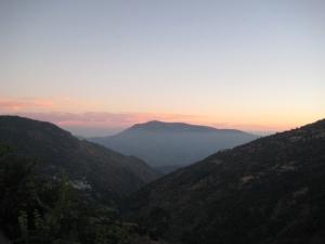 Sunset over mountains (c) Lee McAulay